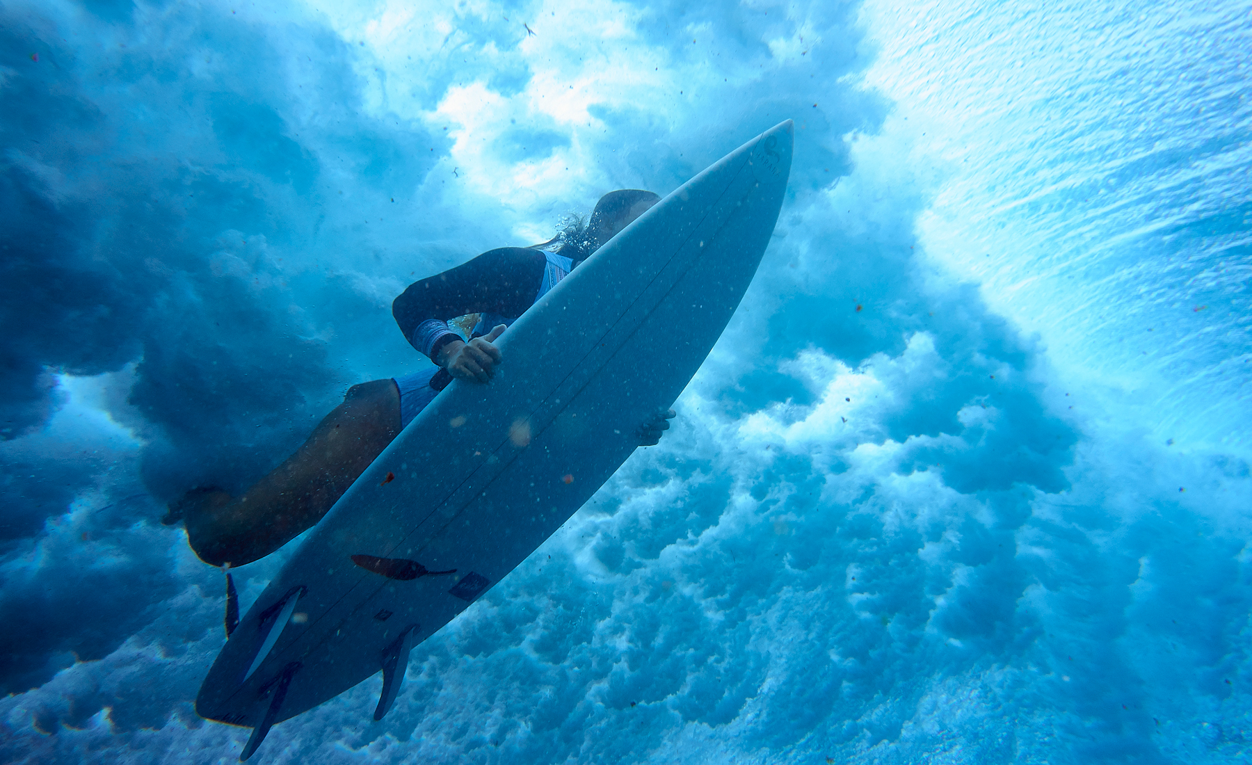 freedive into surf