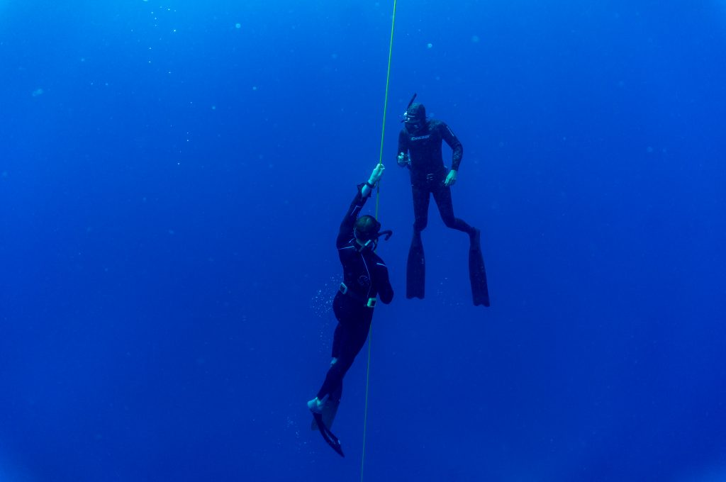 Freedive instructor apnea immersion