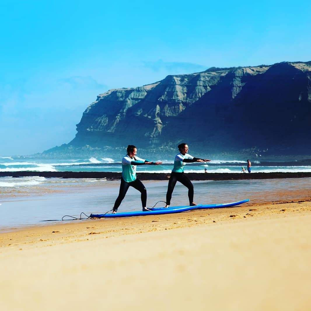 Surfcamp in Portugal needs staff